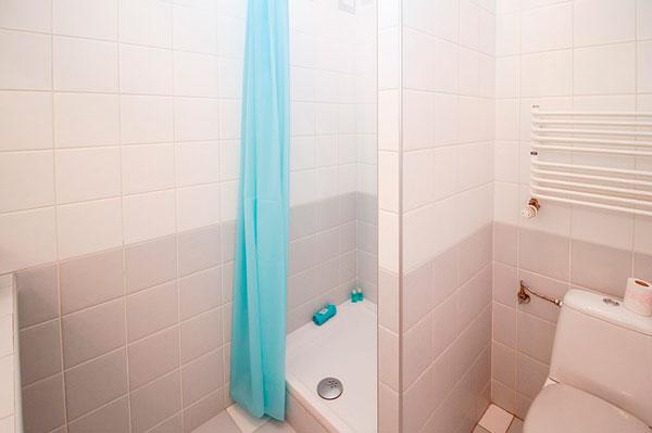 instalación de una mampara de ducha